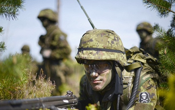 NATO battle group led by the British arrive in Estonia