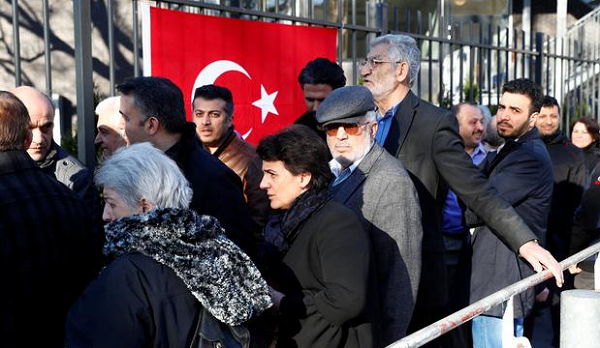 More than 1M Turkish expats vote in referendum