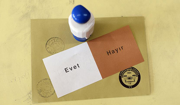 'Yes' votes ahead in Turkish referendum