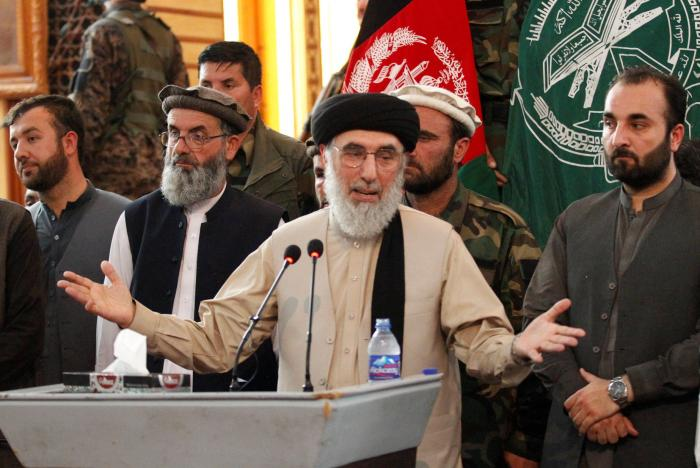 Afghan warlord returns to Kabul under EU-backed deal