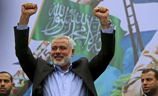 Haniyeh: Prisoners issue will remain priority for Hamas