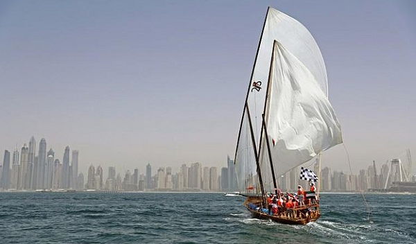 Traditional dhow boat race retraces Gulf pearl route