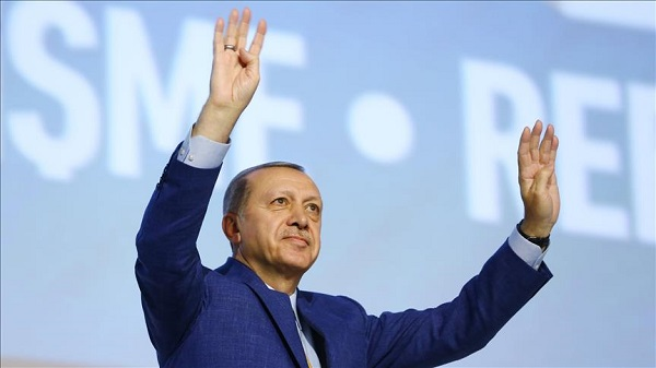 Erdogan extends holiday wishes to 3 leaders