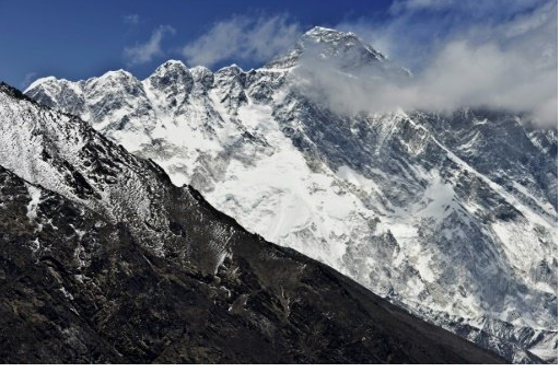 Co-pilot in plane crash near Everest dies of injuries