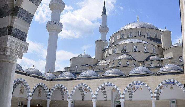 Turkey finishes building Kyrgyzstan's biggest mosque
