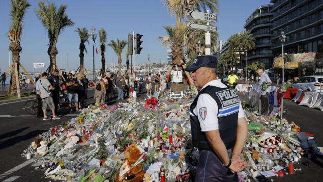 French weekly faces withdrawal over Nice attack images