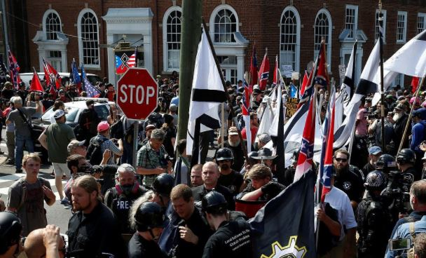 US: Thousands reject hate rally in Charlottesville