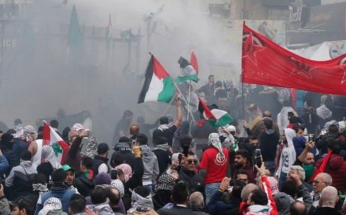 Clashes erupt outside US embassy in Beirut