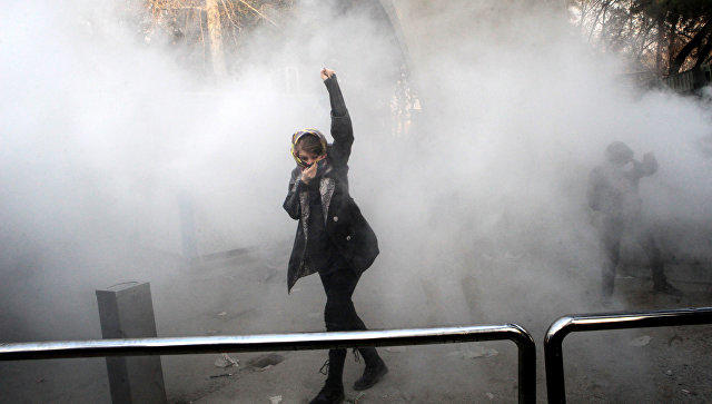 Iranian women protest obligatory headscarf rules