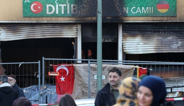 Berlin mosque vandalized by PYD/PKK supporters