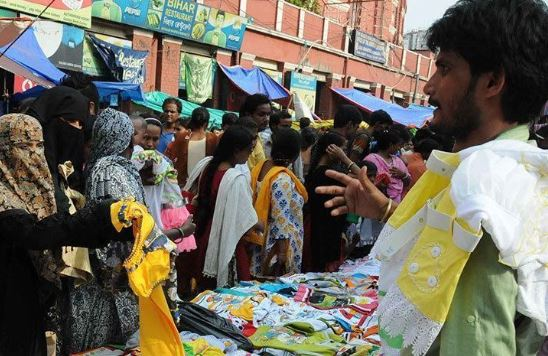 People flood markets for Eid shopping