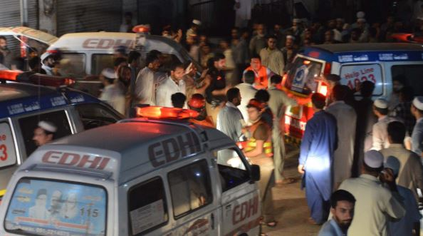 More than 100 killed in blast at election rally in Pakistan