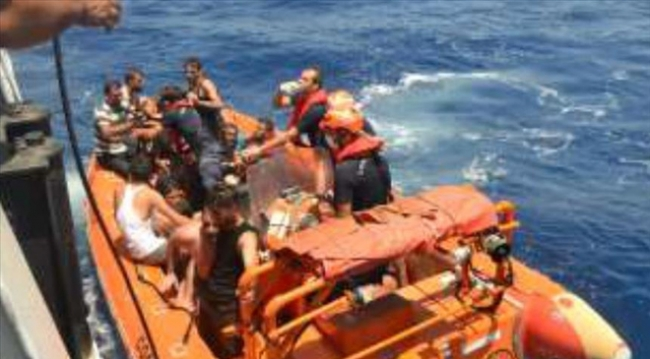 Boat carrying migrants sinks off N.Cyprus
