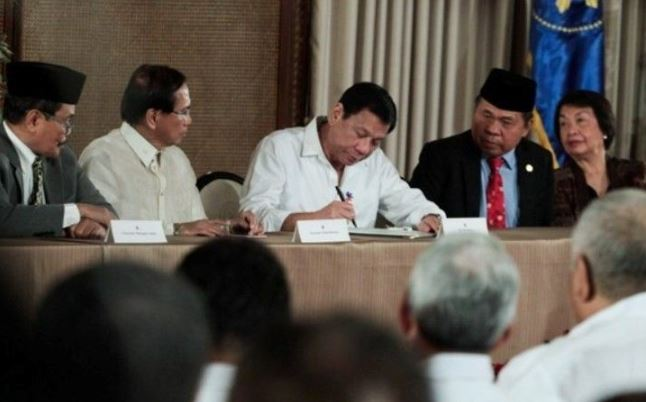 Philippines presents Bangsamoro Law to Muslim leaders