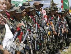 Rival Philippines factions clash, leaving seven dead