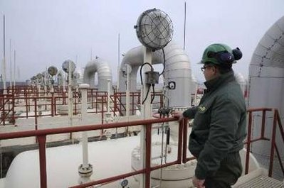 Gazprom cuts gas export forecast to Europe