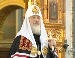 Russian Orthodox Church says not taking sides in Ukraine crisis
