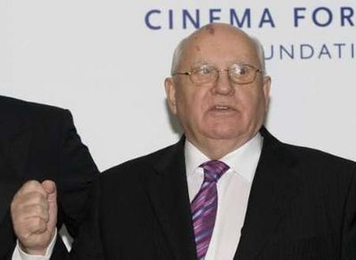 Gorbachev: World is on the brink of a new Cold War