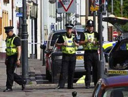 UK police arrest six in Syria-linked operation