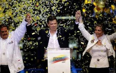 Colombia president starts new term, warns FARC