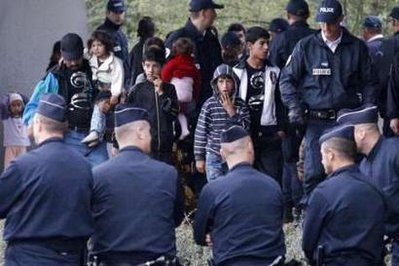 French police remove Roma squatters in Lyon