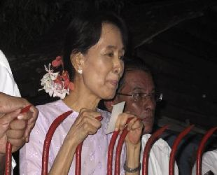 Murdered Myanmar journalist was former bodyguard of Suu Kyi
