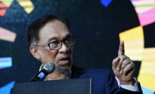 Malaysia's Anwar closer to comeback in by-election