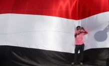 Yemen risks disintegration as south rejects Shi'ite group's takeover