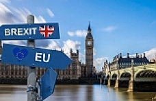 Brexit talks stall as EU rejects Chequers plan