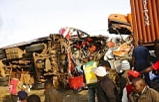 Bus crash leaves 40 victims in Kenya