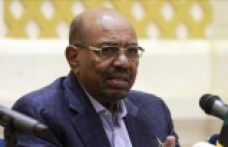 Sudan's Bashir vows to end economy crisis amid protests