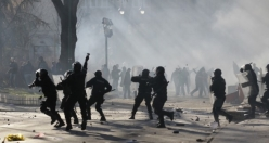 Bosnia protesters set fire to government buildings