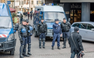 France: Police arrest 85 Yellow Vest protesters