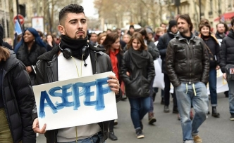France: Students again protest education system