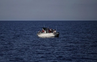 Migrant boat sinks off Aegean coast, 4 die