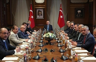 Turkish president receives Turkmen deputies in Ankara
