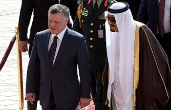 Jordan king flies to Saudi Arabia for talks