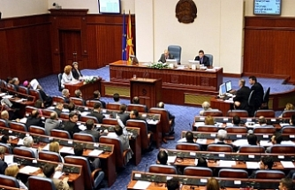 "Macedonia's name ""goes"" in Parliament for approval"