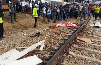 Train derailment kills 6 in Morocco