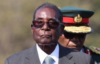 1 year after Mugabe's ouster, Zimbabweans await change