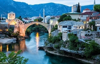 Bosnians mark anniversary of Mostar Bridge destruction