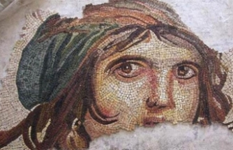 Returned 'Gypsy girl' mosaic pieces on show