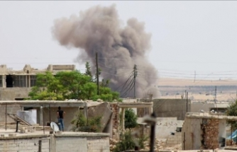 Russian warplanes strike Syria's Idlib: Local sources