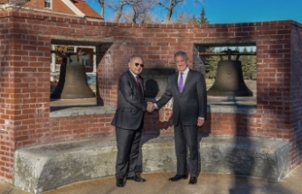 US returns war trophy bells to Philippines