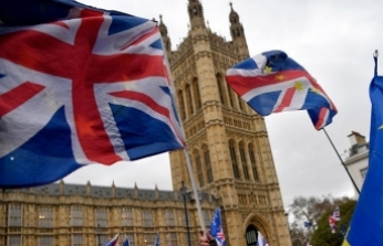 Brexit: Parliament to vote on Plan B at end of month