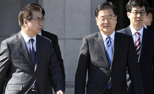 South Korean special envoy flies to North Korea
