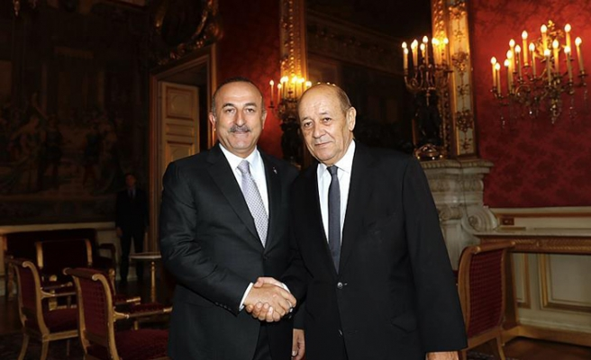 Turkish, French FMs discuss Syria, bilateral relations