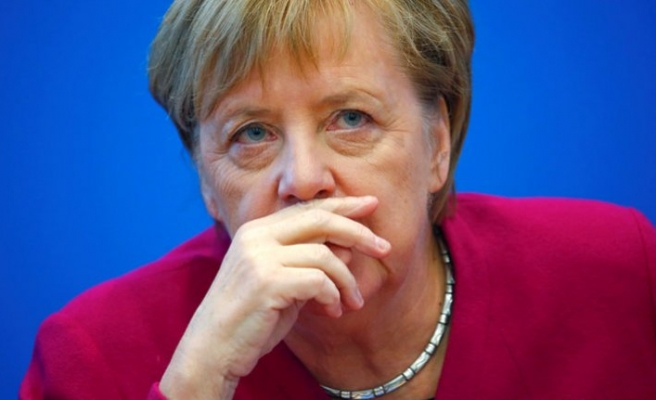 Germany's Merkel calls for establishment of EU army