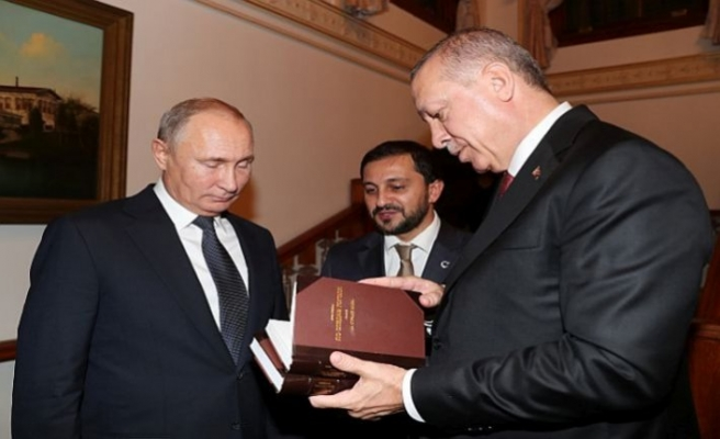 Erdogan gave two significant books to Putin
