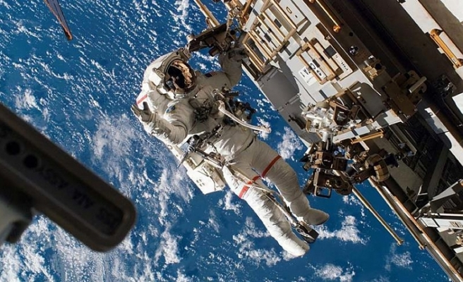 India to send 3 astronauts in space